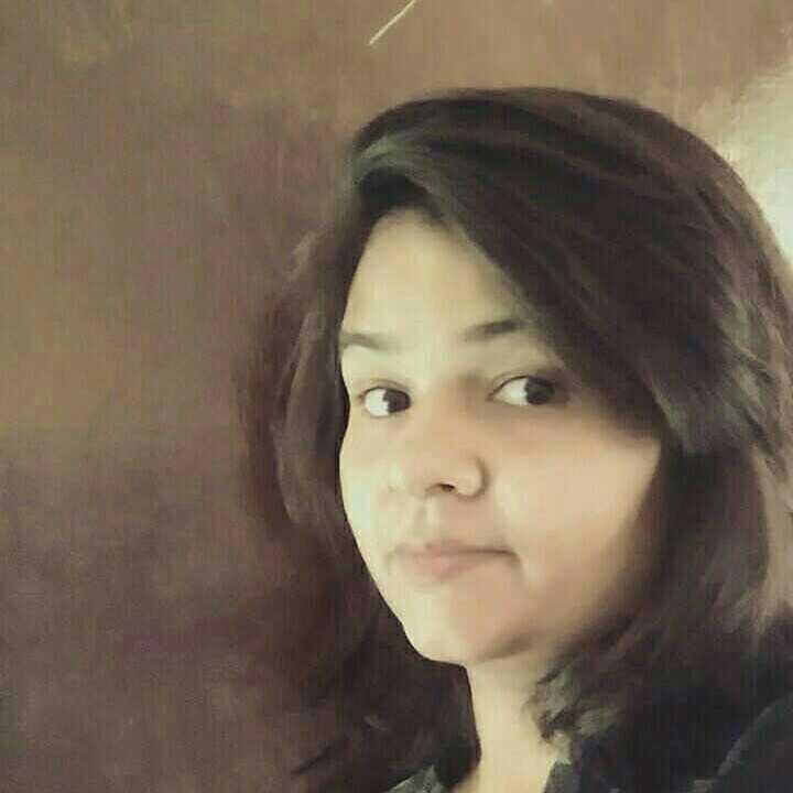 Deepika Upadhyay नहीं ख्वाहिश मेरी आसमान  छूने की...जमी से जुड़े रहना  चाहती  हूँ मैं