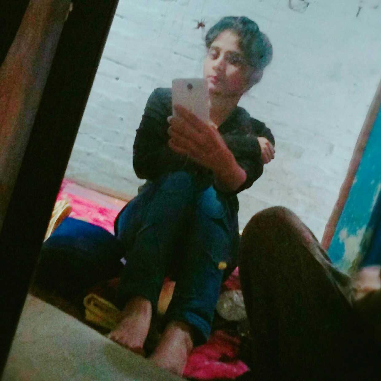 Haleema Ali Haq se #Single☝ Haq se #Gareeb☺,,,,Haq se #writer✍😂😂😘