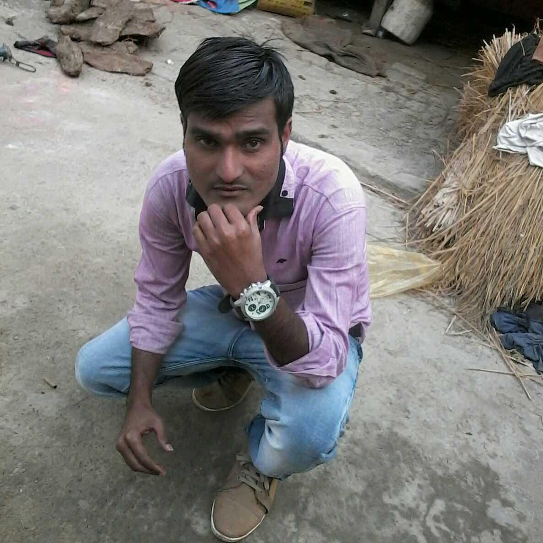 Sultan Mohit Bajpai 'झूँठी बुलंदियों का धुँआ,पार करके आ'