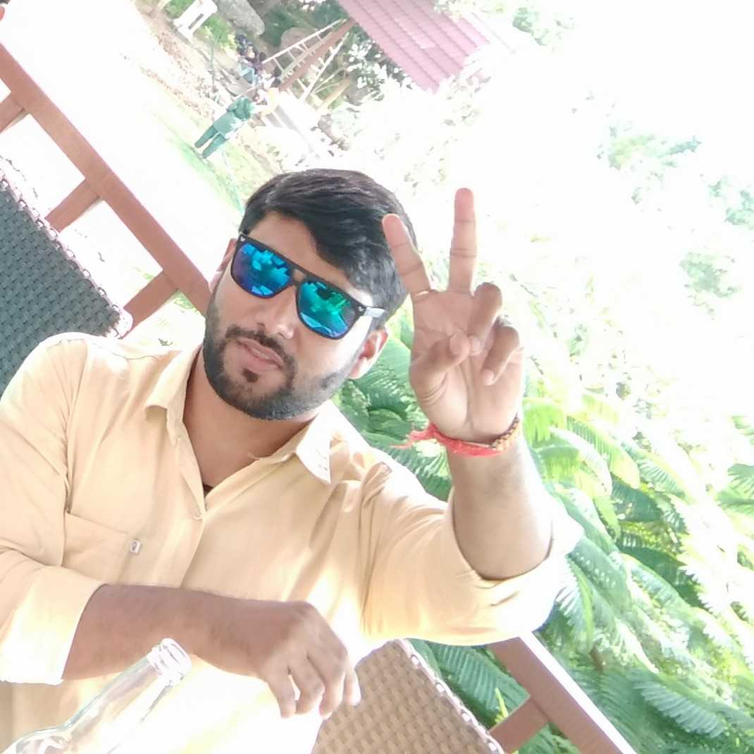 sonu pandit An engineer can write poetry..? i write some feeling's..you can say poetry