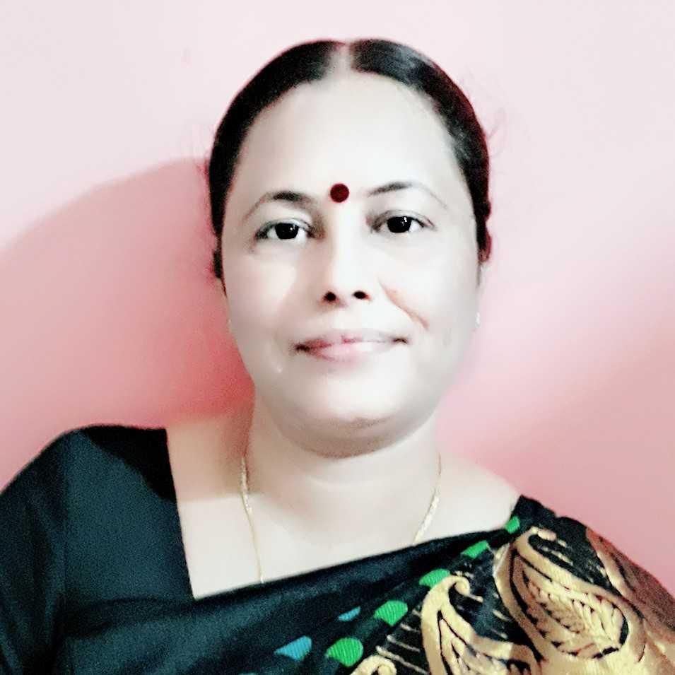 Dr. Asha Singh Sikarwar मैं एक कवि हूं मेरी तीन आलोचनात्मक पुस्तक आ गई हैं अनेक काव्य संकलन आ गए हैं ढेरों पुरस्कार प्राप्त