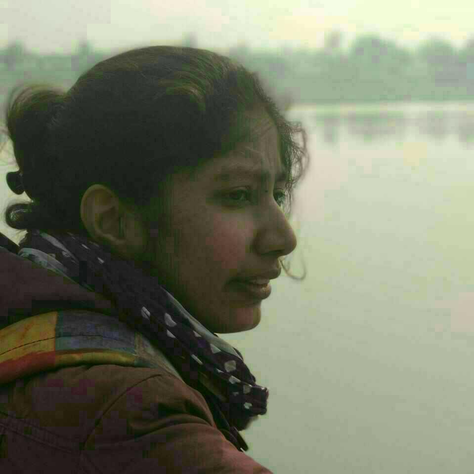 Saumya singh visen  न मैं शायर हूँ, न कवियत्री, न लेखिका। बस यूँ ही शब्दों के साथ खेलना पसंद करती हूँ।