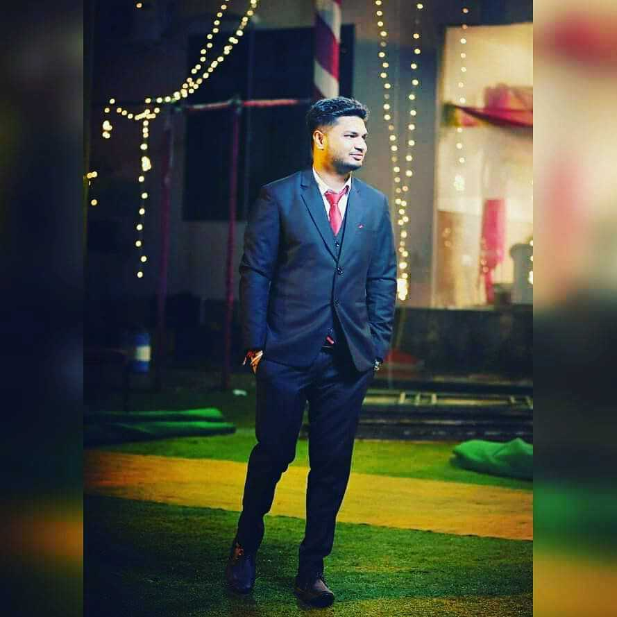 Ayush Gupta Youtuber At Jarvis Baba, Photographer, Published Writer And Poet, Sometimes A Comedian Too ✌