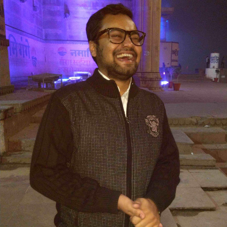 Abhishek Kumar Tripathi गुज़रते वक़्त के गवाह हैं हम, जिसका न हो कोई तो खैरख़्वाह हैं हम