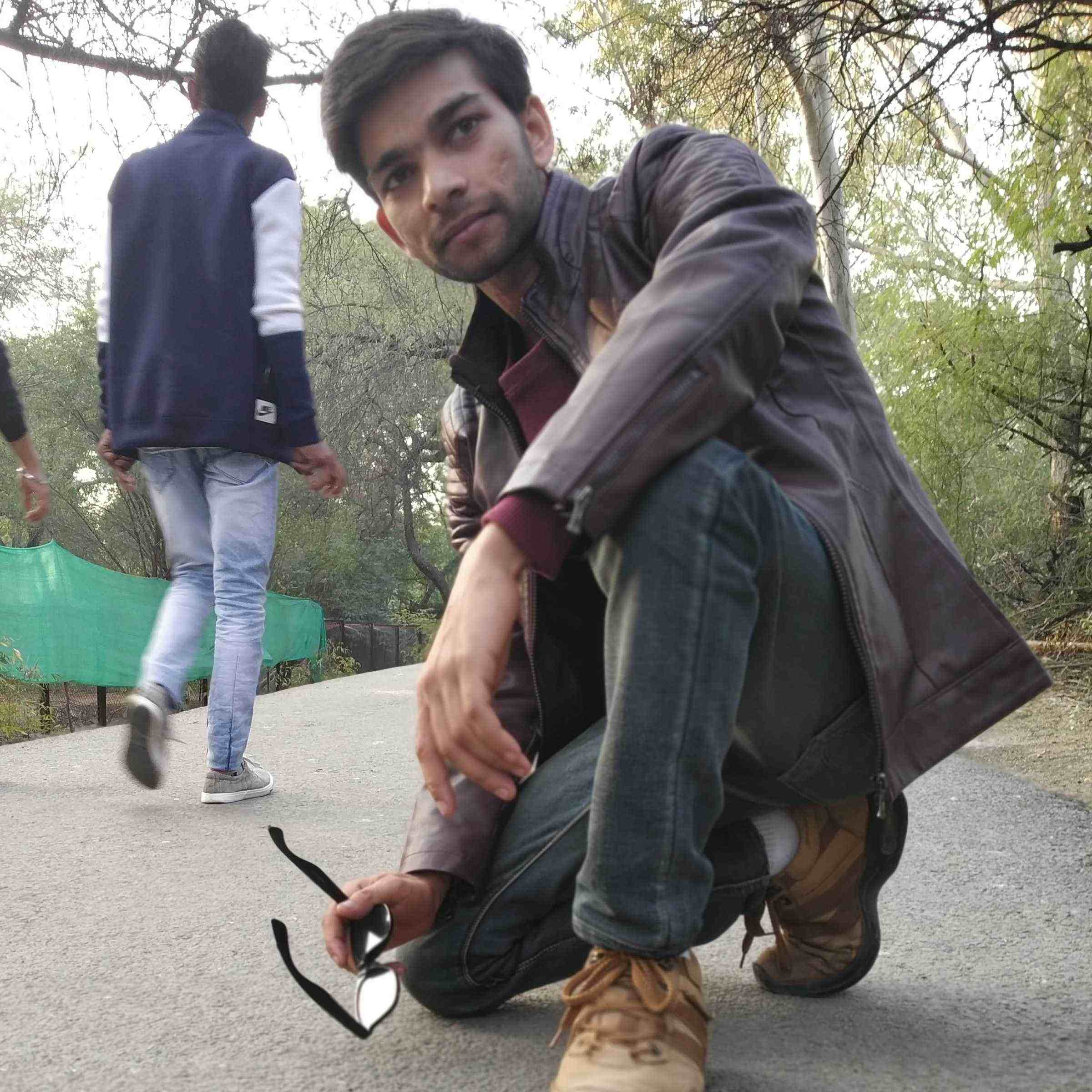 wikishayar bloggers hi! i am sarvesh yadav and i am a blogger.catch me on blogger just go through the link below...