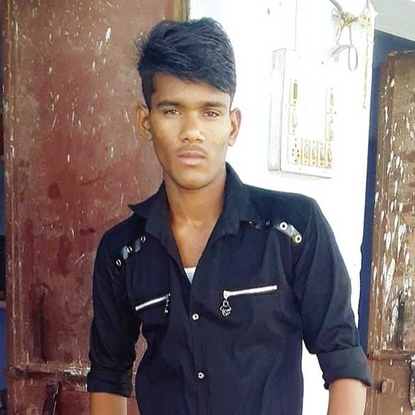 Raj Gurjar(फौजी) I am 18 year old. college student. what's app-9660136538