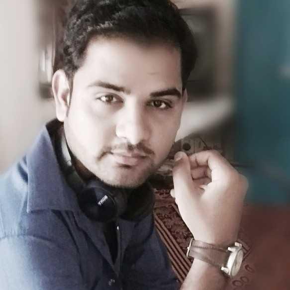 Ashish panchal i m simple n love to write shayaries. ..