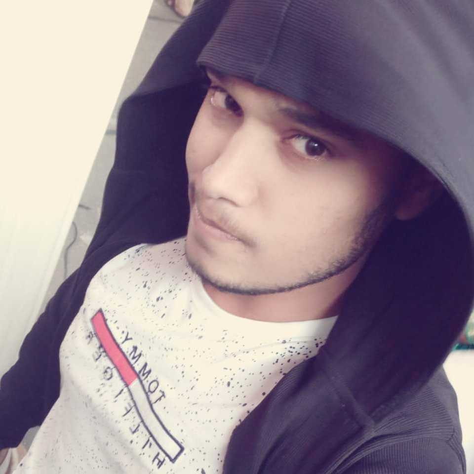 Sandeep Sonavane (Sandy) Animals lover, Passionate poet, Fitness first, #accounts, deep guy, be happy and positive