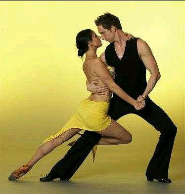 Best ways to learn salsa and bachata dancing for novice