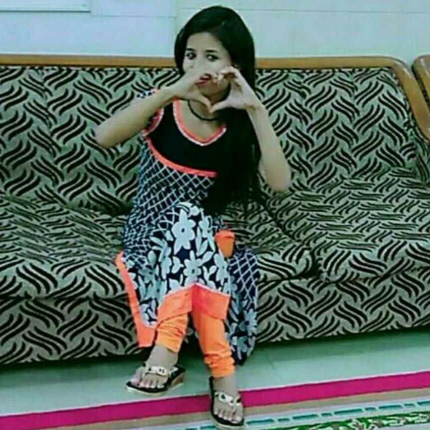 kavita patwal....pahadi girl 😘😘😘 i try to make you smille😘😘