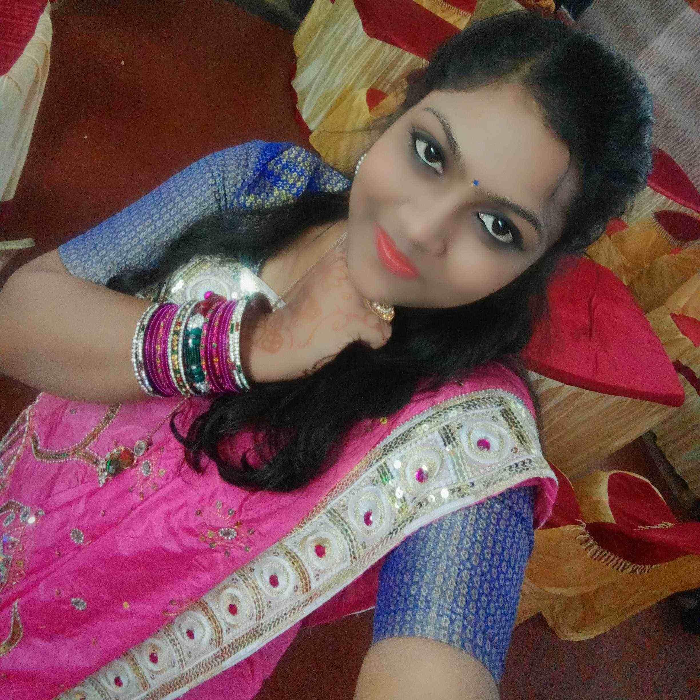 Durga_bondopadhay khud ki pehchan bnane ki agr chah ho..to mdd mil hi jati hai.. aur mujjhe lgta hai ye shi jgh hai