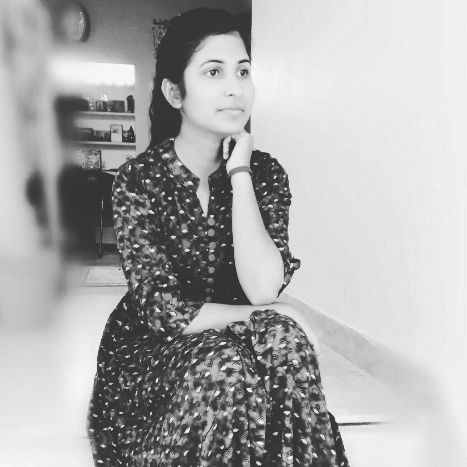 Nidhi Pareek just an ambivert who writes to make herself happy