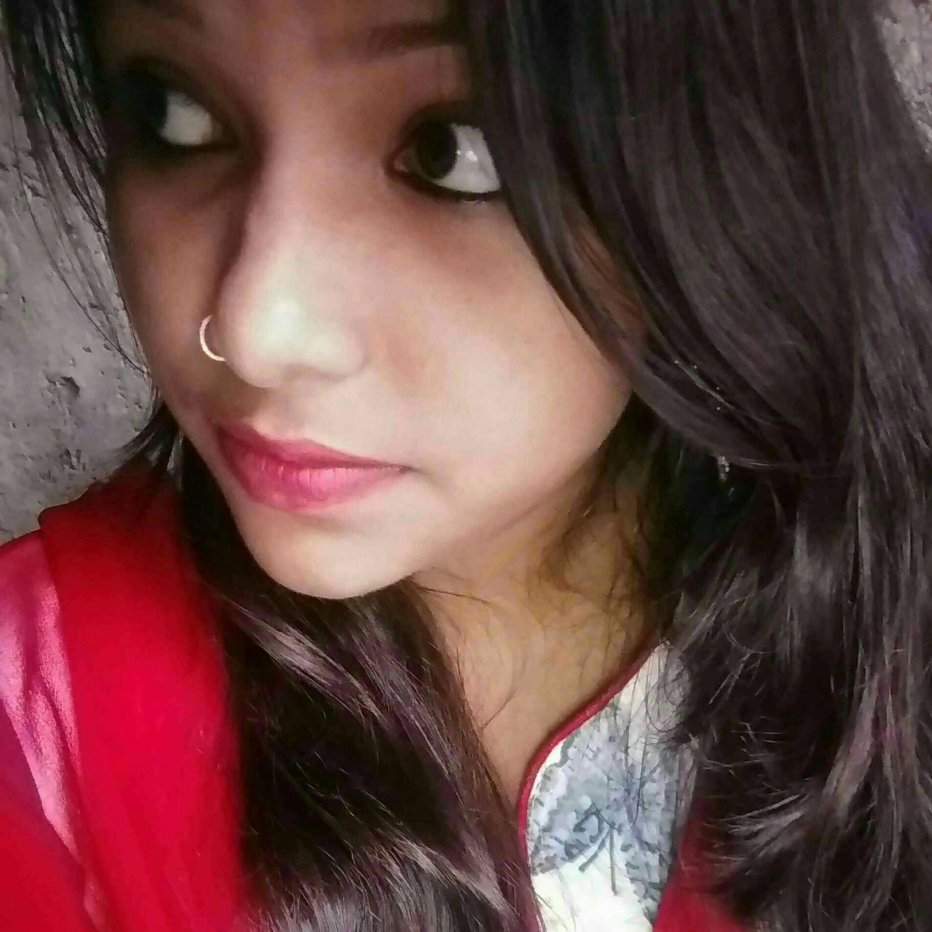 Shweta Singh Ek panchhee ki Tarah hu main,Jitna qaid mein rakhoge,udne ki talab utni hi jyada hogi.