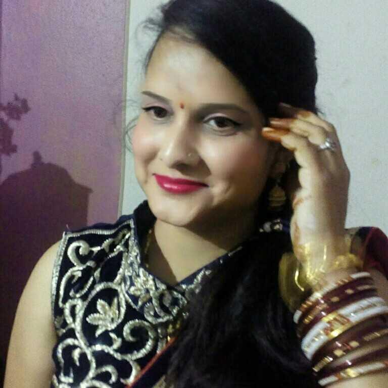 vandana patidar मुस्कराहट पतझड़ में भी फुल खिला देती हैं।