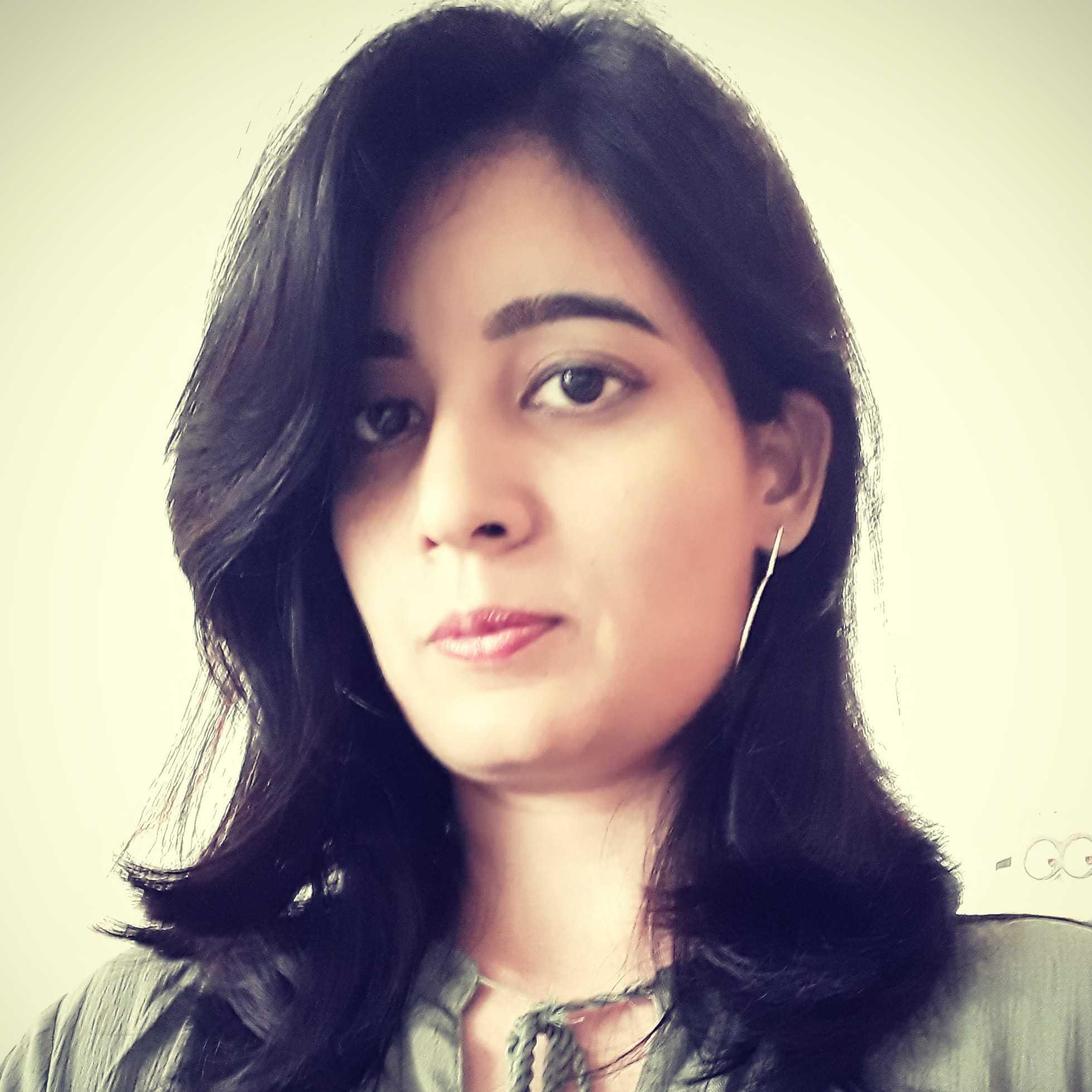 Eron (Neha Sharma) कलम से दरिया बहता है मेरी बचकर रहना बाढ़ आ सकती है।