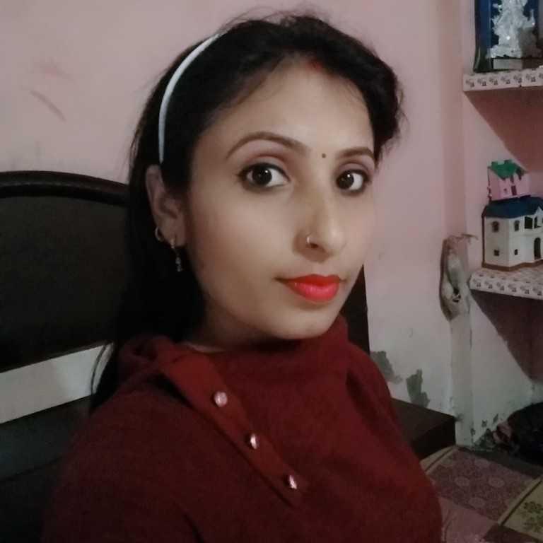 Neelam jangra  house wife, cre artist, music lover,singer