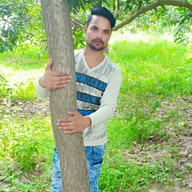 Lakhan Chhindriya i am alon but happy