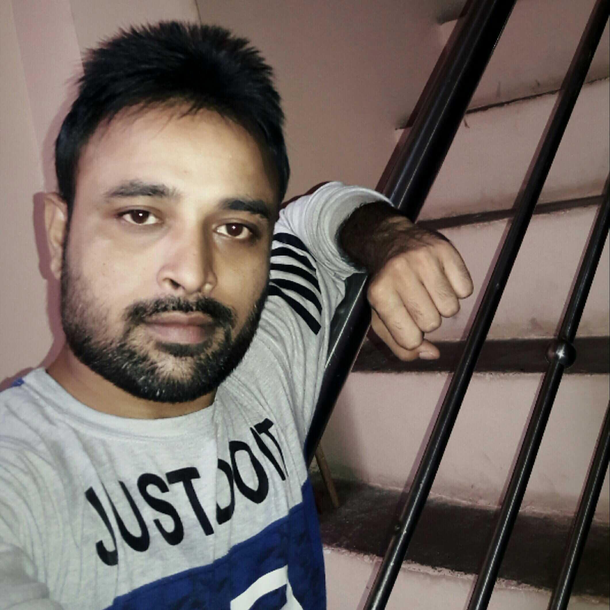 Ek Farebi(Anuj Pandey)